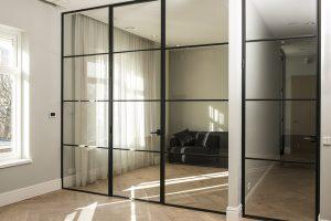 drzwi-loft,stalowe,-zabudowa,-szklana,-drzwi-metalowe,-drzwi-szklane,-zabudowa-metalowa,-podział-pokoju,-wydzielenie-strefy,-zabudowa-industrialna